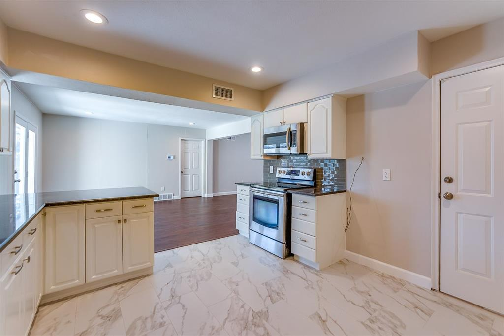 13434 Shahan Drive, Farmers Branch, Texas 75234 - acquisto real estate best new home sales realtor linda miller executor real estate