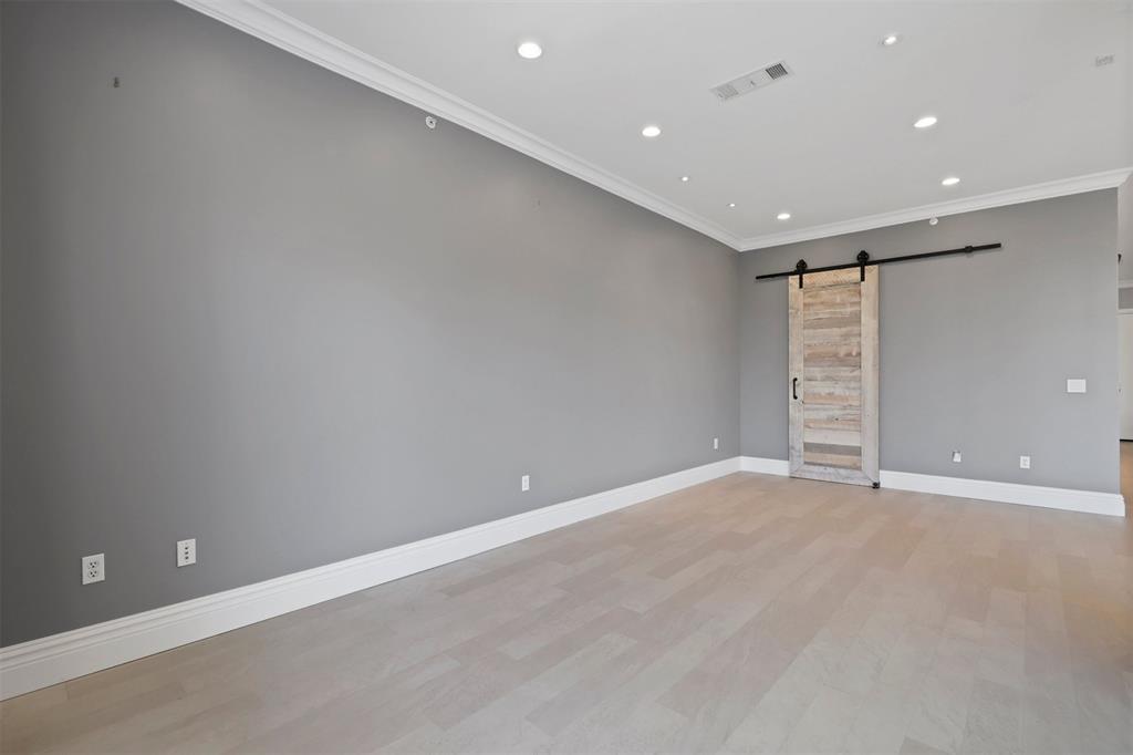 2950 Mckinney Avenue, Dallas, Texas 75204 - acquisto real estate best investor home specialist mike shepherd relocation expert