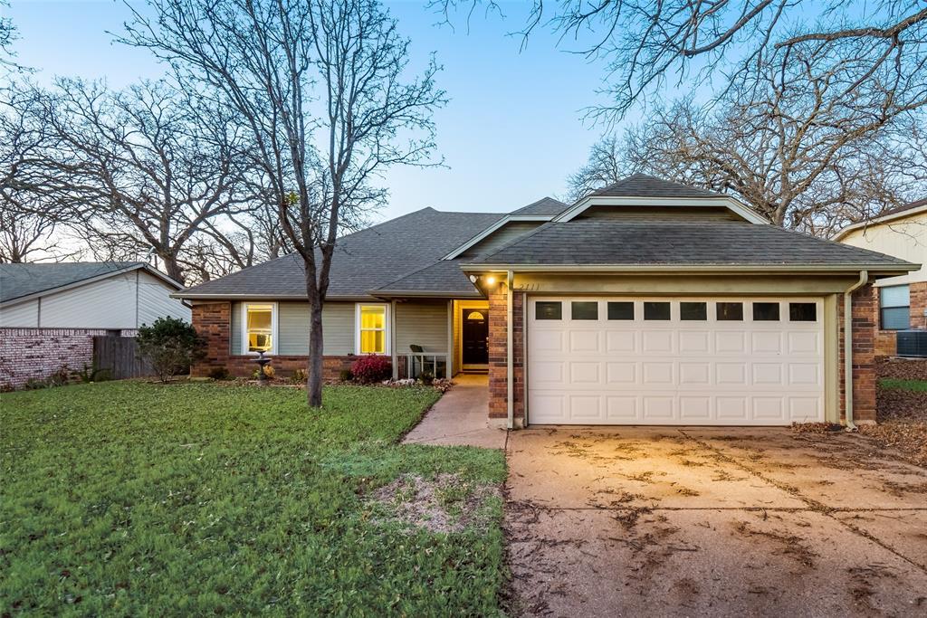 2111 Reverchon Drive, Arlington, Texas 76017 - Acquisto Real Estate best plano realtor mike Shepherd home owners association expert