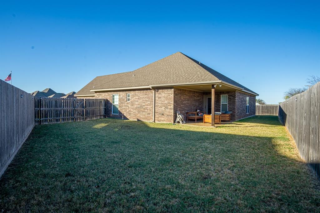 10 Liberty Court, Wichita Falls, Texas 76306 - acquisto real estate best realtor dfw jody daley liberty high school realtor