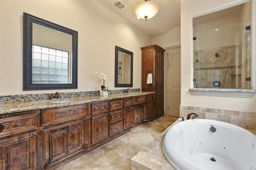 1054 Shadyside Lane, Dallas, Texas 75223 - acquisto real estate best frisco real estate broker in texas for high net worth buyers