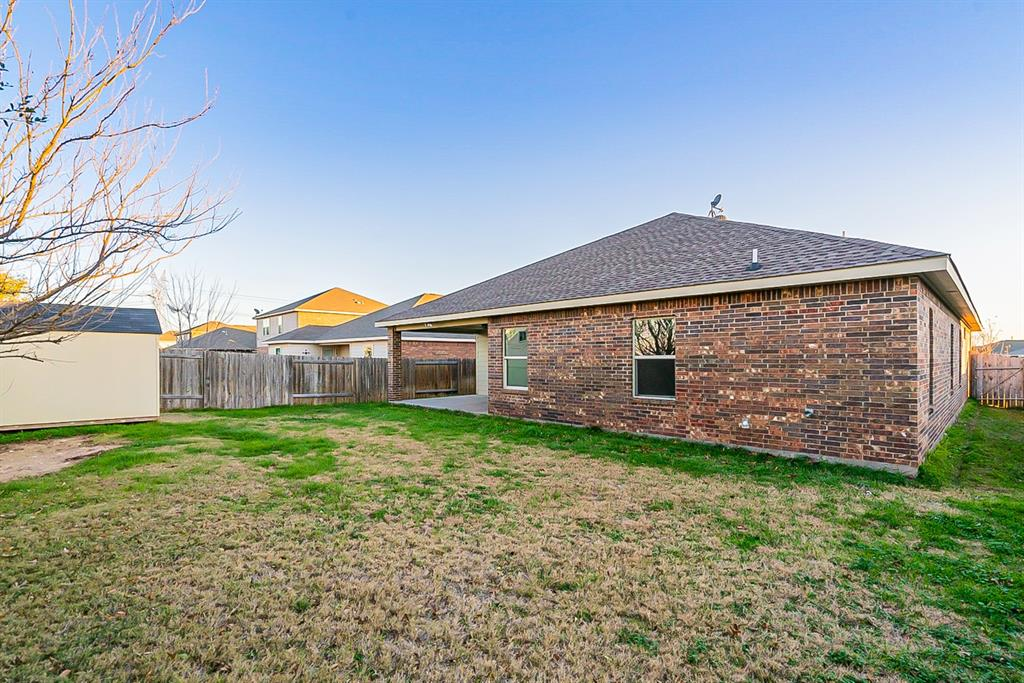 441 Buoy Drive, Crowley, Texas 76036 - acquisto real estate best realtor foreclosure real estate mike shepeherd walnut grove realtor