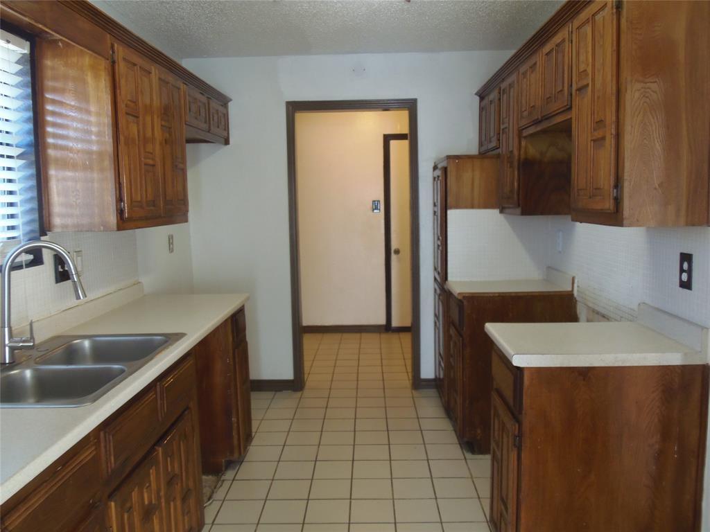 1300 Sparrow Court, DeSoto, Texas 75115 - Acquisto Real Estate best mckinney realtor hannah ewing stonebridge ranch expert