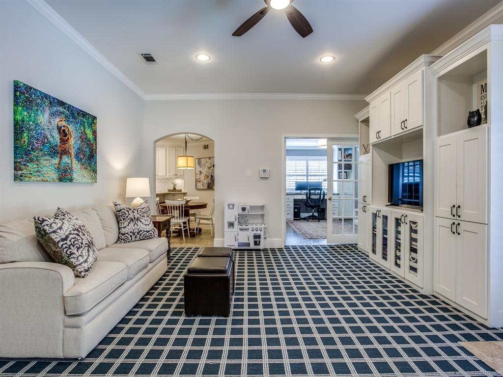 6921 Sedgwick Drive, Dallas, Texas 75231 - acquisto real estate best style realtor kim miller best real estate reviews dfw