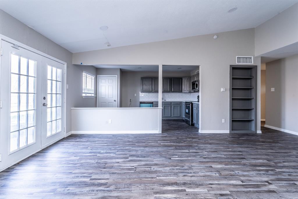 4009 Longstraw Drive, Fort Worth, Texas 76137 - acquisto real estate best celina realtor logan lawrence best dressed realtor
