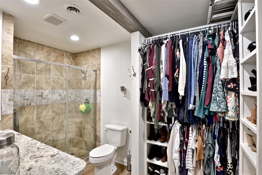 1102 Avenue K Haskell, Texas 79521 - acquisto real estate best negotiating realtor linda miller declutter realtor