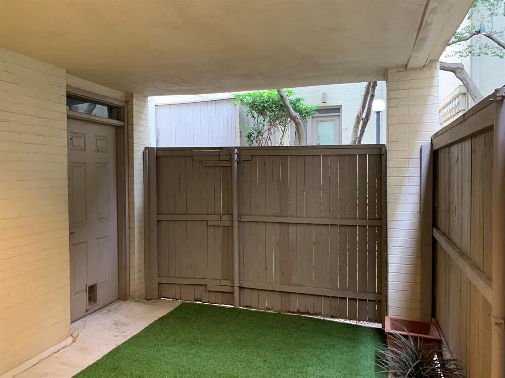 3906 Buena Vista Street, Dallas, Texas 75204 - acquisto real estate best realtor dallas texas linda miller agent for cultural buyers