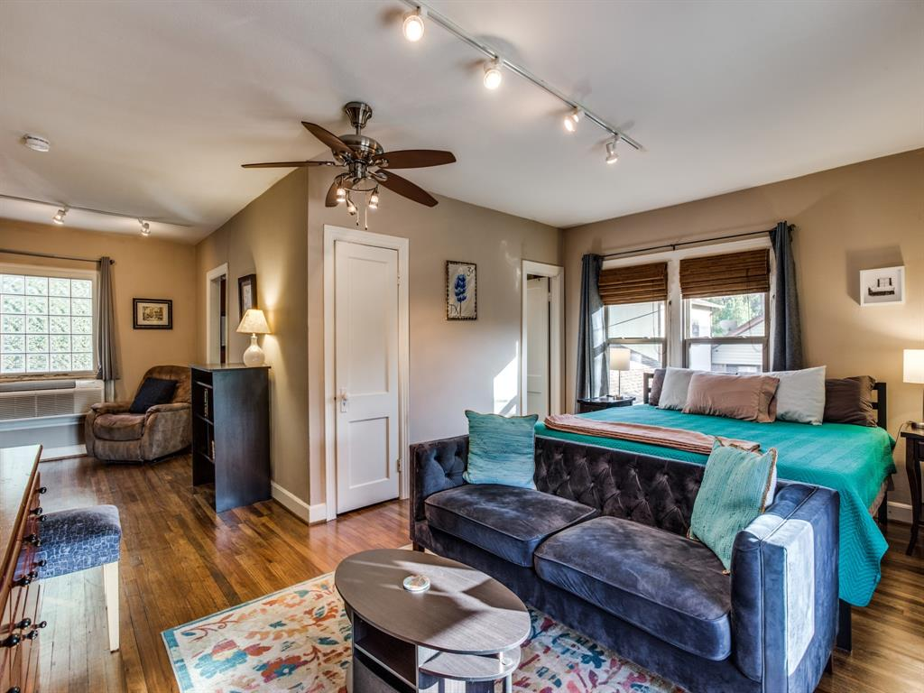 5337 Collinwood Avenue, Fort Worth, Texas 76107 - acquisto real estate best plano real estate agent mike shepherd