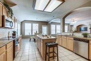 2100 Harvest Way, Mansfield, Texas 76063 - acquisto real estate best real estate company to work for