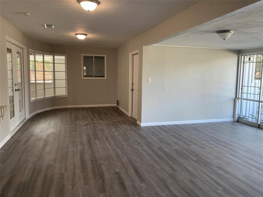 1227 Willow Glen Drive, Dallas, Texas 75232 - acquisto real estate best frisco real estate agent amy gasperini panther creek realtor