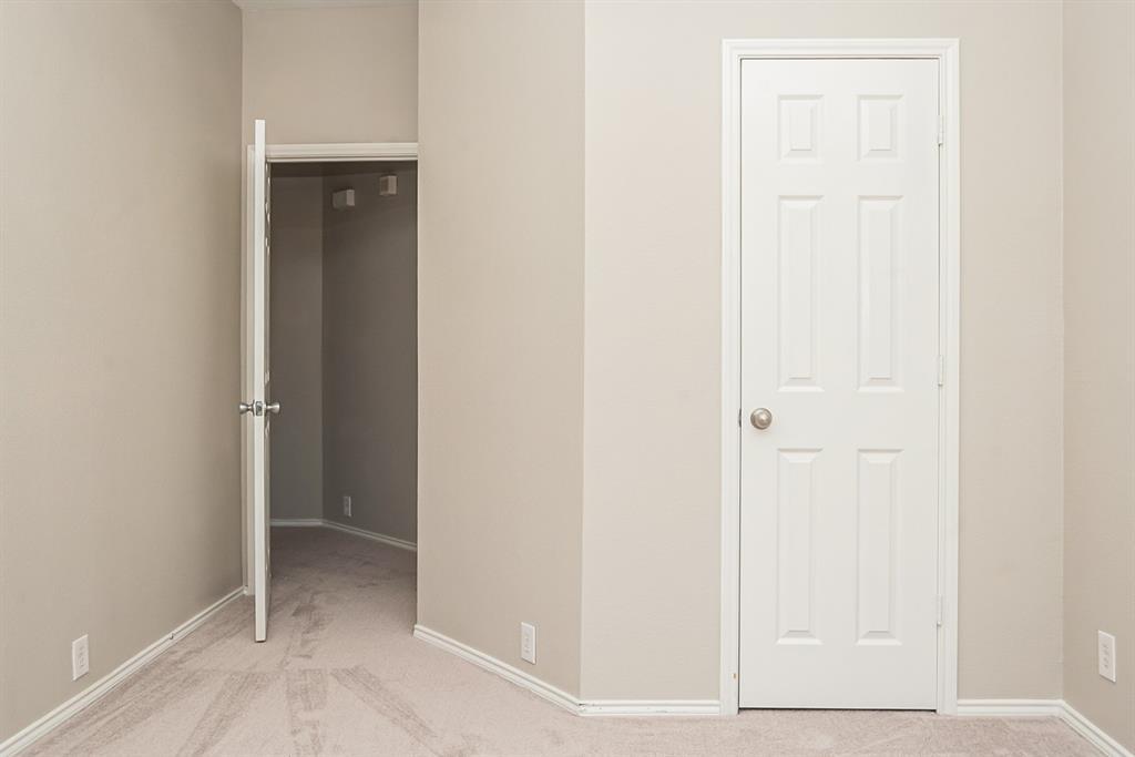 3920 Lochridge Court, North Richland Hills, Texas 76180 - acquisto real estate best investor home specialist mike shepherd relocation expert