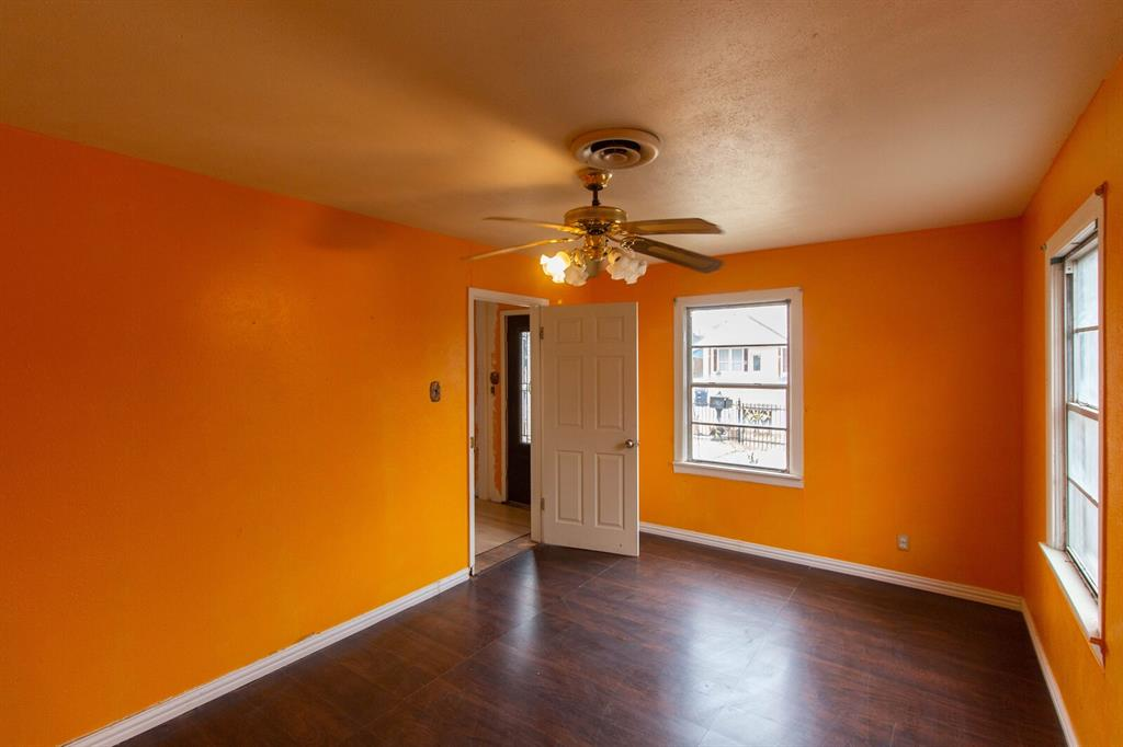 3404 Baylor Street, Fort Worth, Texas 76119 - acquisto real estate best real estate company to work for