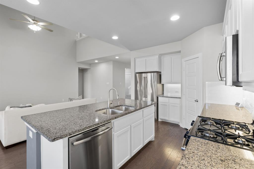 529 Barnstorm Drive, Celina, Texas 75009 - acquisto real estate best highland park realtor amy gasperini fast real estate service