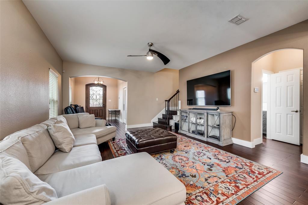 5568 Thunder Bay Drive, Fort Worth, Texas 76119 - acquisto real estate best celina realtor logan lawrence best dressed realtor