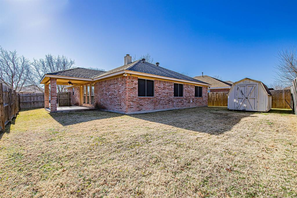 3207 Dove Valley Lane, Mansfield, Texas 76063 - acquisto real estate best negotiating realtor linda miller declutter realtor
