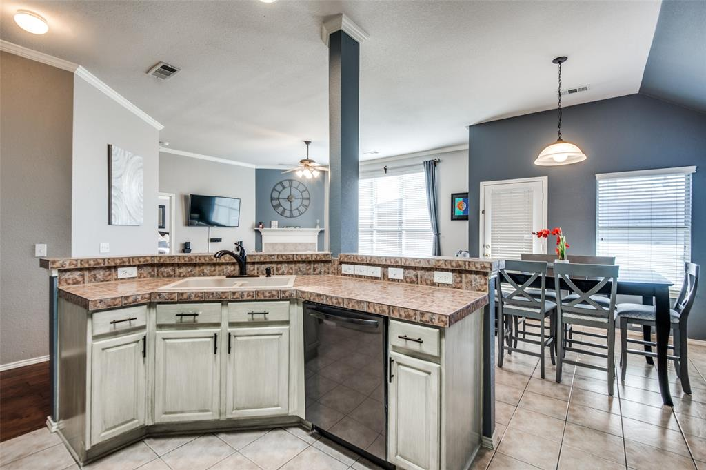 1056 Ponderosa Ridge, Little Elm, Texas 75068 - acquisto real estate best real estate company to work for