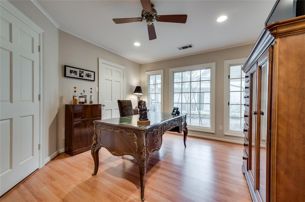 4326 Margate Drive, Dallas, Texas 75220 - acquisto real estaet best boutique real estate firm in texas for high net worth sellers