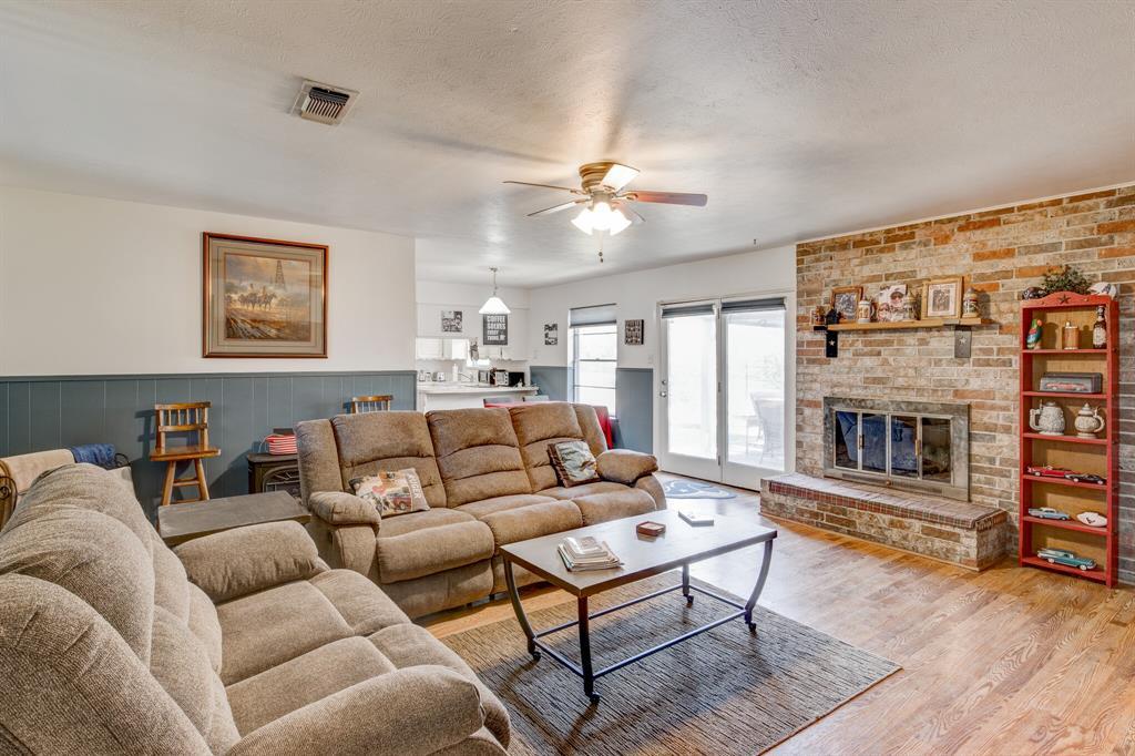 3825 Carman Drive, Benbrook, Texas 76116 - acquisto real estate best luxury buyers agent in texas shana acquisto inheritance realtor