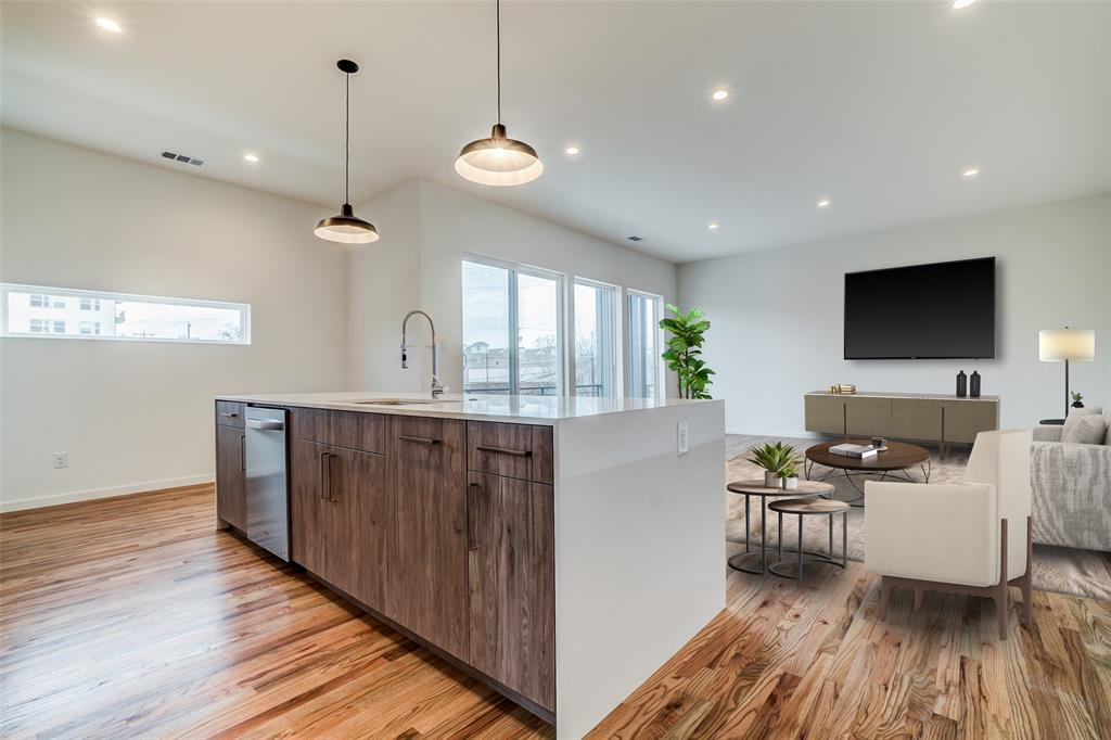 4202 Roseland Avenue, Dallas, Texas 75204 - Acquisto Real Estate best plano realtor mike Shepherd home owners association expert