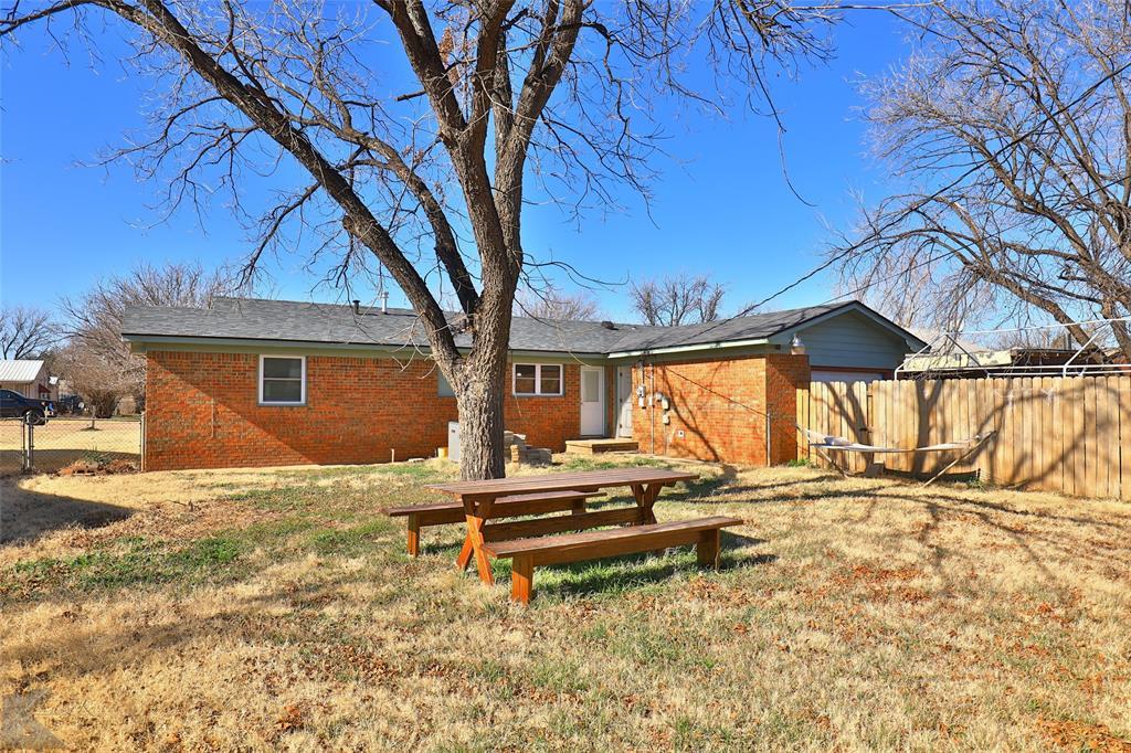 1102 Avenue K Haskell, Texas 79521 - acquisto real estate mvp award real estate logan lawrence