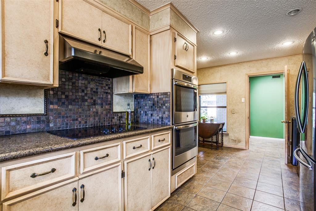 6840 Whitehill Street, Dallas, Texas 75231 - acquisto real estate best luxury buyers agent in texas shana acquisto inheritance realtor