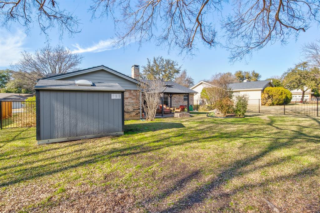 3825 Carman Drive, Benbrook, Texas 76116 - acquisto real estate best realtor dfw jody daley liberty high school realtor