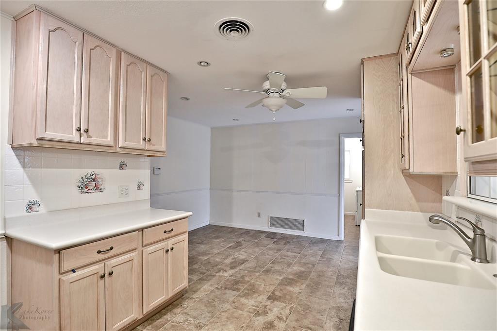 2033 Greenbriar Drive, Abilene, Texas 79605 - acquisto real estate best listing listing agent in texas shana acquisto rich person realtor