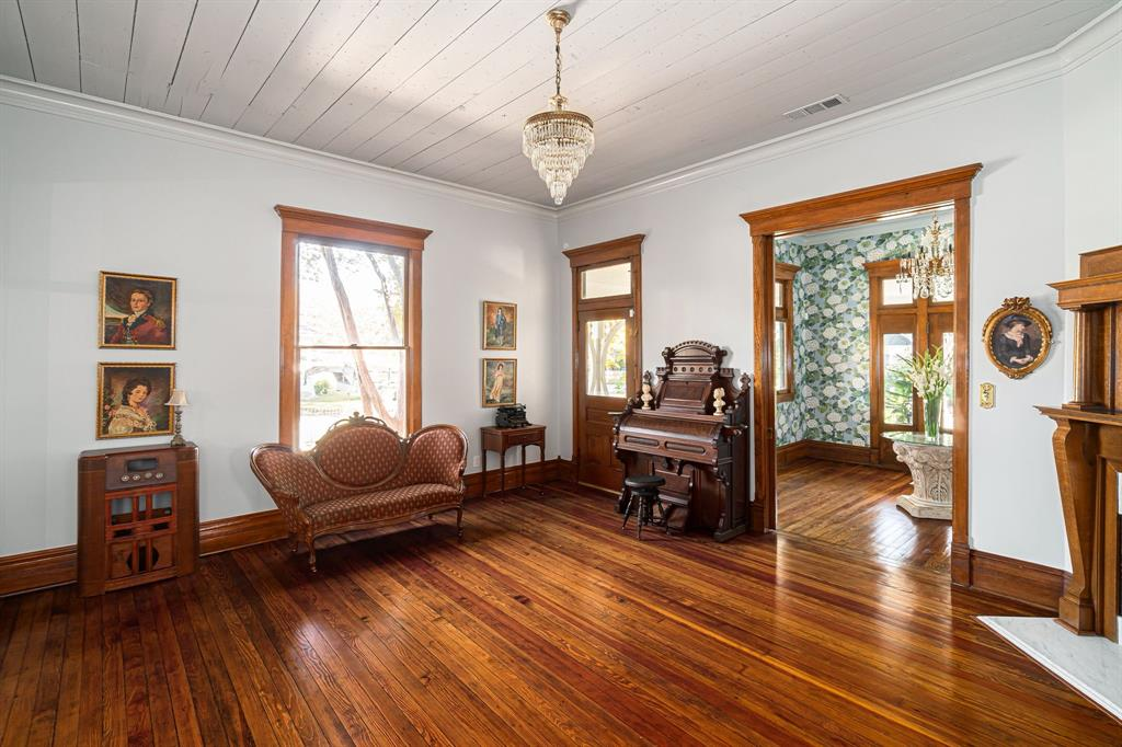 504 Virginia Street, McKinney, Texas 75069 - acquisto real estate best highland park realtor amy gasperini fast real estate service