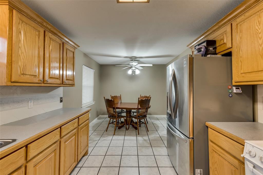 2111 Reverchon Drive, Arlington, Texas 76017 - acquisto real estate best new home sales realtor linda miller executor real estate