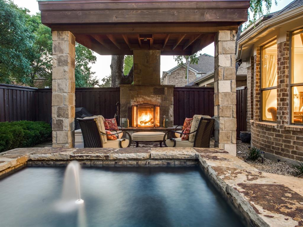 8313 Midway Road, Dallas, Texas 75209 - acquisto real estate best park cities realtor kim miller best staging agent