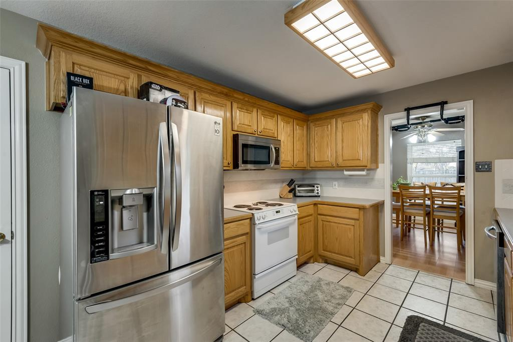 2111 Reverchon Drive, Arlington, Texas 76017 - acquisto real estate best photos for luxury listings amy gasperini quick sale real estate