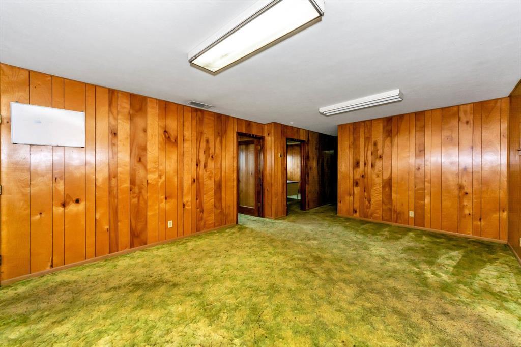 2004 Chico Highway, Bridgeport, Texas 76426 - acquisto real estate best negotiating realtor linda miller declutter realtor