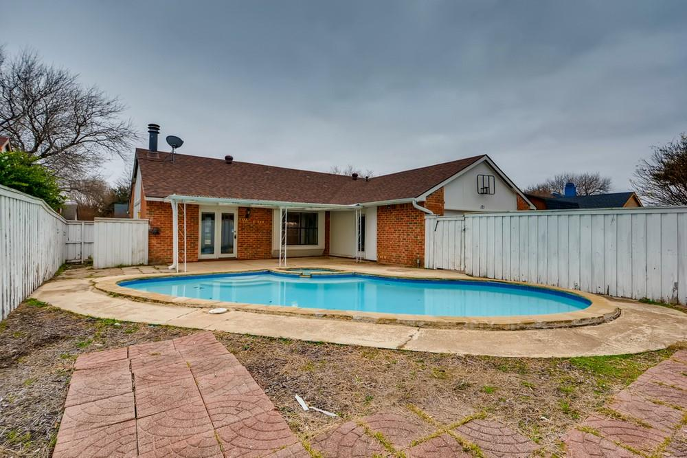 121 Kingsbridge Drive, Garland, Texas 75040 - Acquisto Real Estate best mckinney realtor hannah ewing stonebridge ranch expert