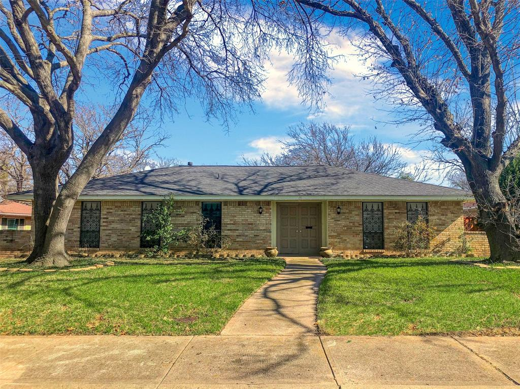 3924 Oak Arbor Drive, Dallas, Texas 75233 - Acquisto Real Estate best plano realtor mike Shepherd home owners association expert