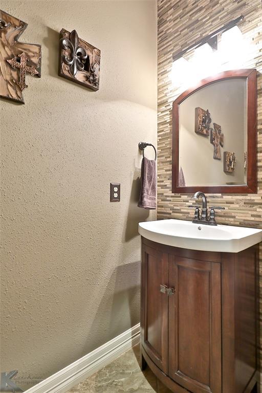 2409 Wyndham  Court, Abilene, Texas 79606 - acquisto real estate best investor home specialist mike shepherd relocation expert