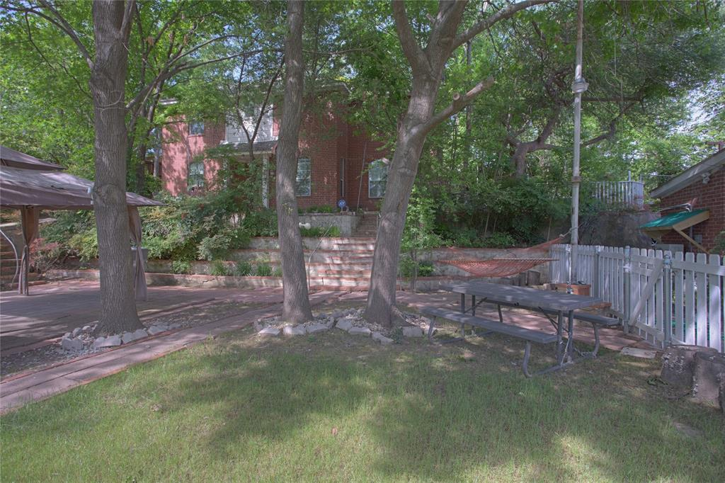 627 Hampton Road, Dallas, Texas 75208 - Acquisto Real Estate best frisco realtor Amy Gasperini 1031 exchange expert