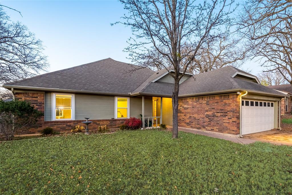 2111 Reverchon Drive, Arlington, Texas 76017 - acquisto real estate best the colony realtor linda miller the bridges real estate