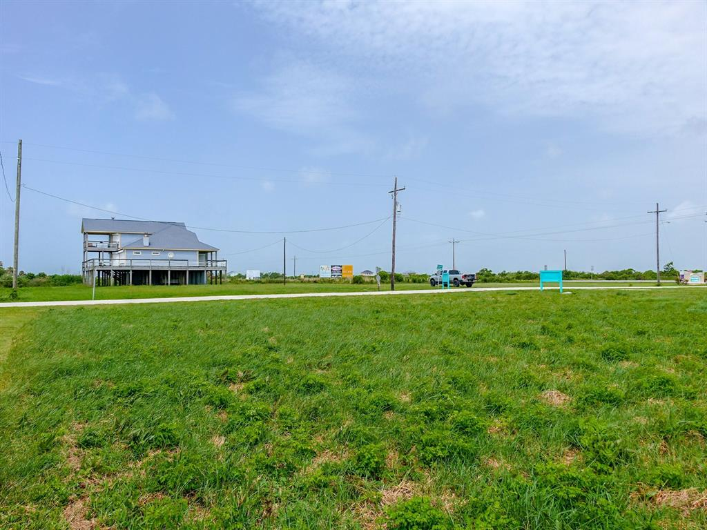 210 Corpus Christi Street, Crystal Beach, Texas 77650 - acquisto real estate best real estate company to work for