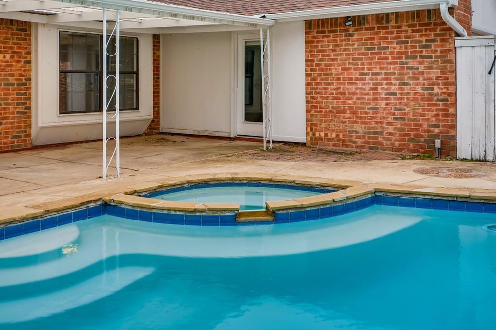 121 Kingsbridge Drive, Garland, Texas 75040 - acquisto real estate best park cities realtor kim miller best staging agent