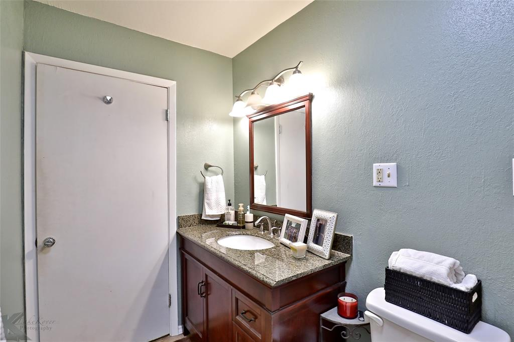 1102 Avenue K Haskell, Texas 79521 - acquisto real estate best investor home specialist mike shepherd relocation expert