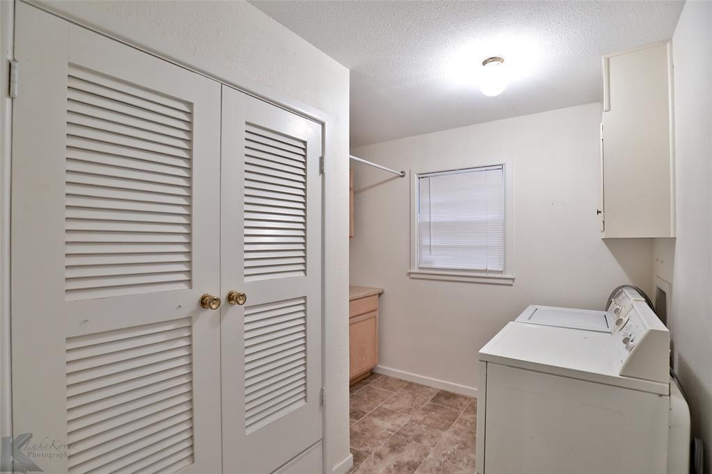 2033 Greenbriar Drive, Abilene, Texas 79605 - acquisto real estate best plano real estate agent mike shepherd