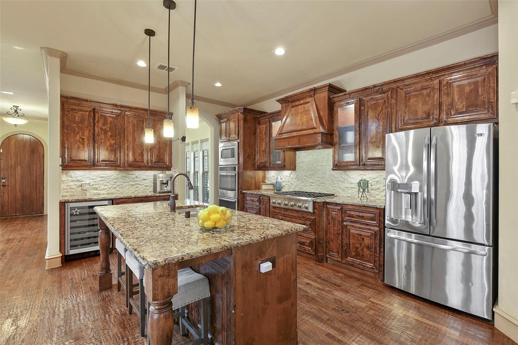 1054 Shadyside Lane, Dallas, Texas 75223 - acquisto real estate best real estate company to work for