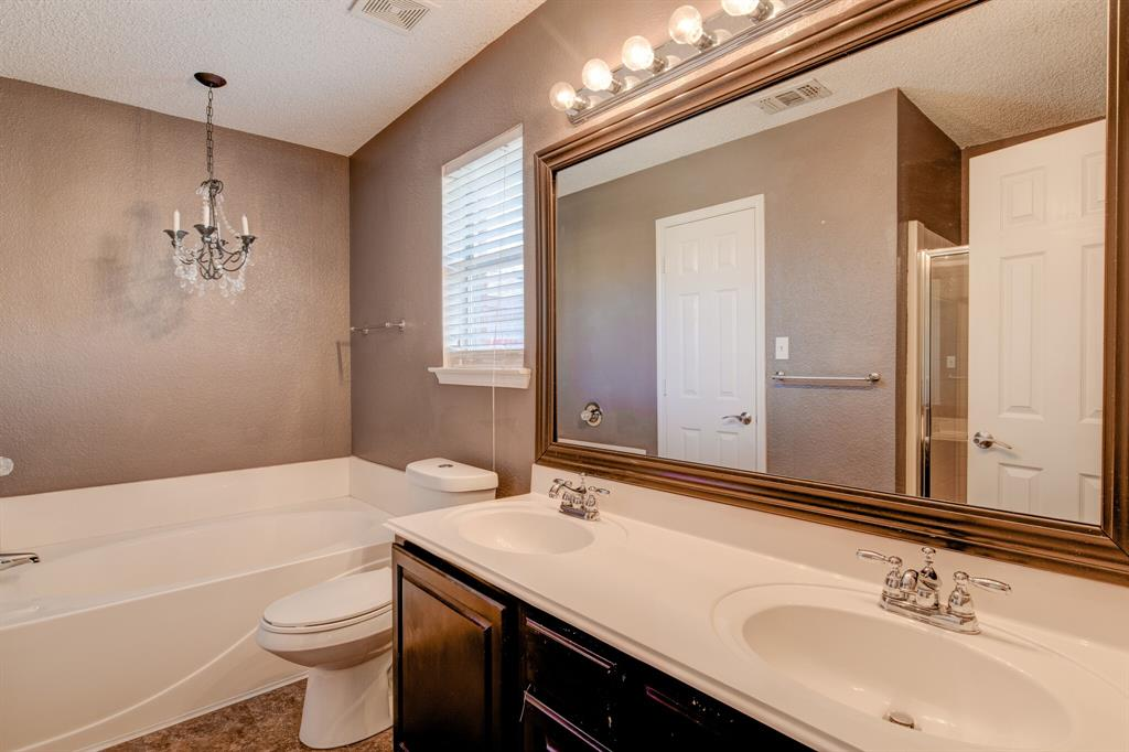 205 King Arthur Drive, Weatherford, Texas 76086 - acquisto real estaet best boutique real estate firm in texas for high net worth sellers