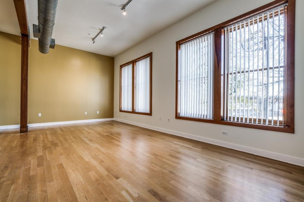 2502 Live Oak Street, Dallas, Texas 75204 - acquisto real estate best luxury buyers agent in texas shana acquisto inheritance realtor