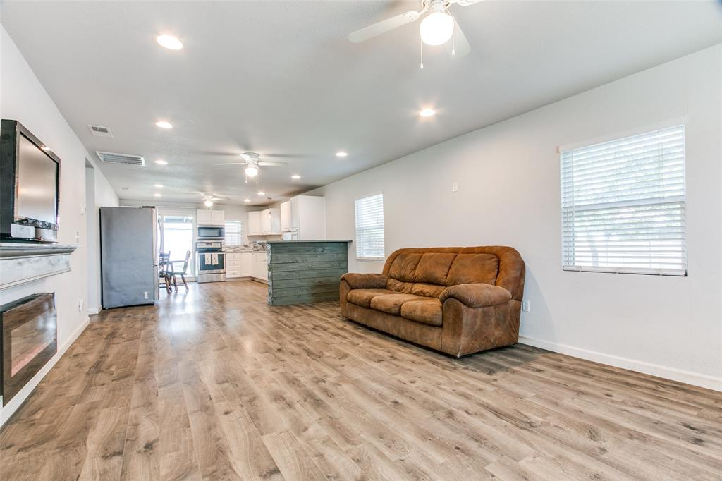 605 6th  Street, Justin, Texas 76247 - acquisto real estate best flower mound realtor jody daley lake highalands agent of the year