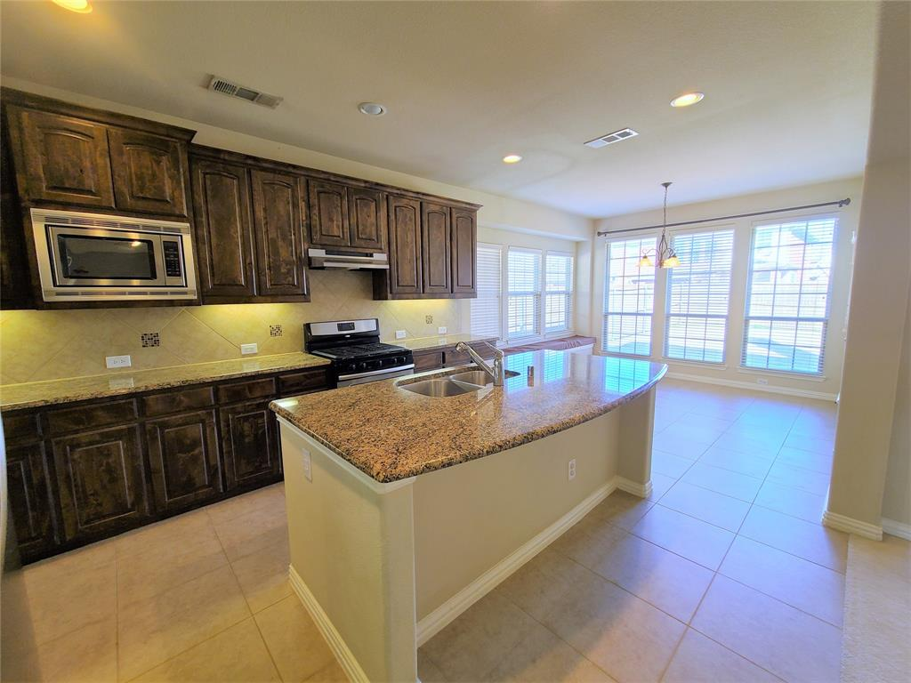 325 Brutus Boulevard, Lewisville, Texas 75056 - acquisto real estate best photos for luxury listings amy gasperini quick sale real estate