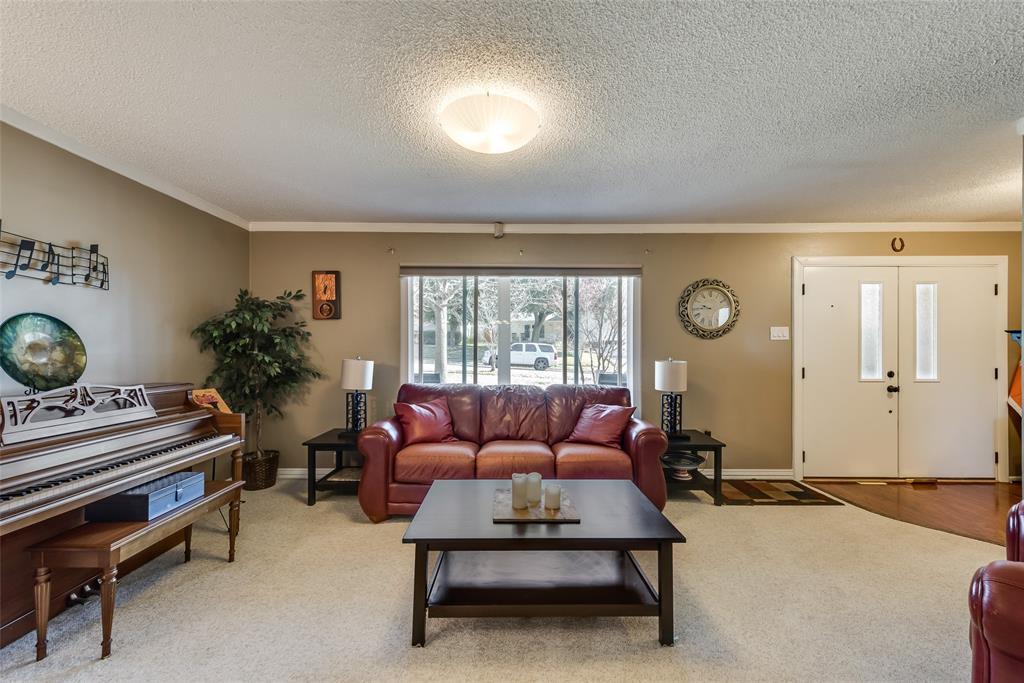 11615 Rogue Way, Dallas, Texas 75218 - acquisto real estate best designer and realtor hannah ewing kind realtor