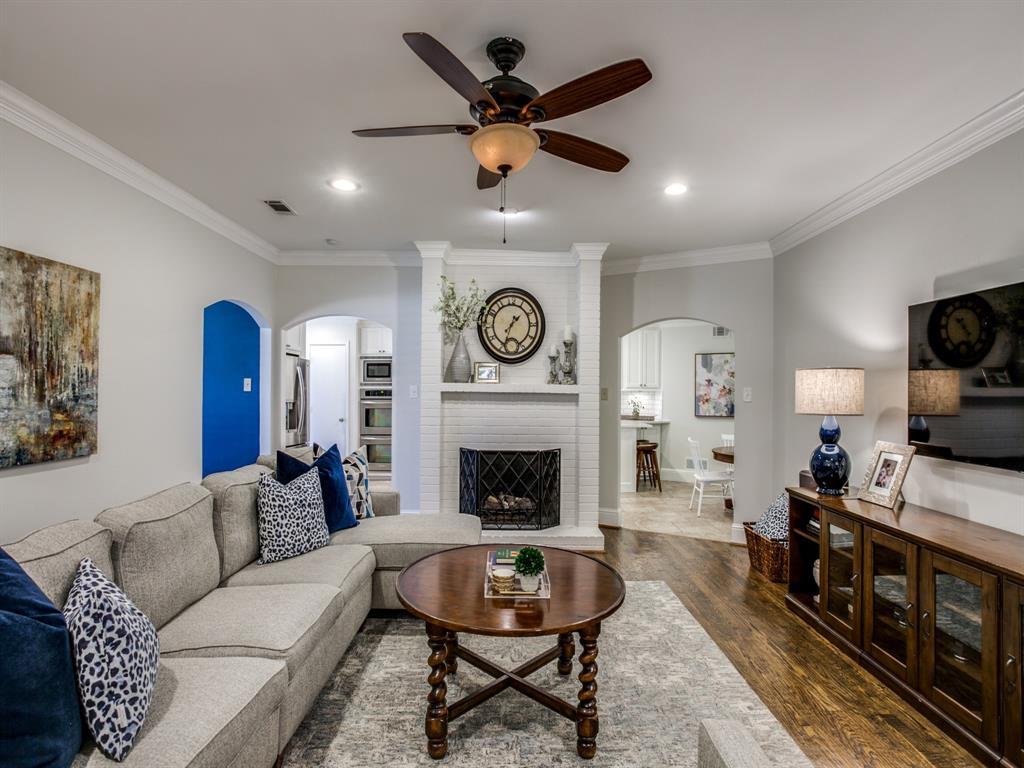 6921 Sedgwick Drive, Dallas, Texas 75231 - acquisto real estate best highland park realtor amy gasperini fast real estate service