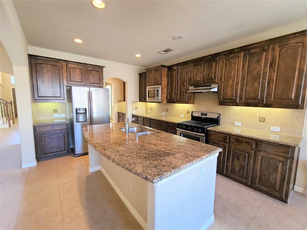 325 Brutus Boulevard, Lewisville, Texas 75056 - acquisto real estate best designer and realtor hannah ewing kind realtor