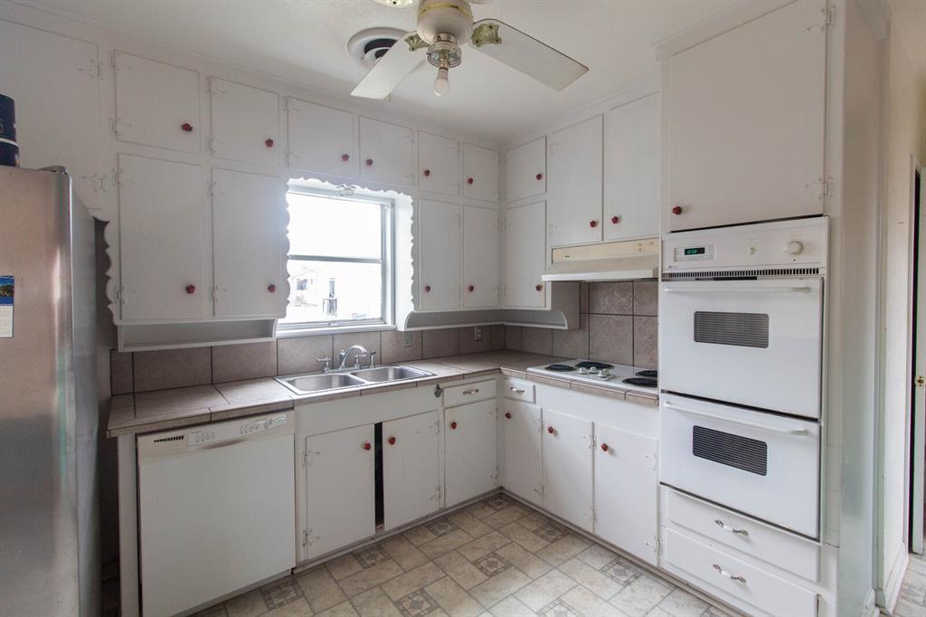 3404 Baylor Street, Fort Worth, Texas 76119 - acquisto real estate best prosper realtor susan cancemi windfarms realtor